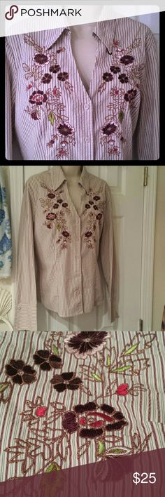"""Express Blouse Size 14. 5 buttons down. V- Neck Long sleeve. Express Stretch. Beautiful Flower stiching.  Armpit to armpit measured flat  20"""". Shoulder - Arm  26"""". 26"""" long.  Material 38%Polyester                 37 cotton                  20 nylon                 5% Spandex. Express Tops Button Down Shirts"""