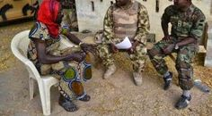 Welcome to Nonsoloaded's blog: Photo Of Nigerian Soldiers Interrogating The Terro...
