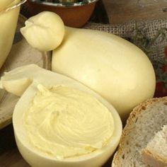 Cheese Art, Sheep Cheese, Italian Cheese, Swiss Cheese, Food Bulletin Boards, Cheese Maker, Romanian Food, How To Make Cheese, Milk Recipes