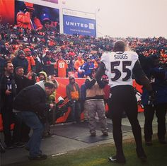 Terrell Suggs talking smack to fans. ball so hard :-) Football Fans, Broncos Fans, Terrell Suggs, Baltimore Ravens, Guys, Denver, Sports, Birds, Play