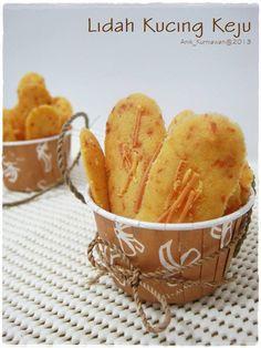 Lidah Kucing Keju by Anik Kurniawan Cokies Recipes, Snack Recipes, Snacks, Recipies, Resep Cake, Crispy Cookies, Frozen Coffee, Indonesian Food, Indonesian Recipes