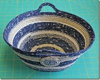 Coiled clothesline projects. How to. (Fabric-wrapped clothesline, coiled into mats, rugs, baskets, bowls.)