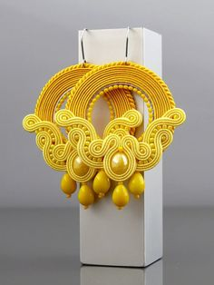 Beautiful, impressive Soutache earrings, made of Soutache strings and glass beads. Colour: shades of yellow. Plastic Canvas Tissue Boxes, Plastic Canvas Patterns, Soutache Pattern, Handmade Necklaces, Handmade Jewelry, Shibori, Soutache Necklace, Polymer Clay Charms, Macrame Jewelry