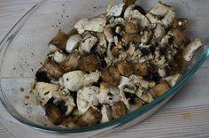 Pieczone pieczarki z czosnkiem i cebulą