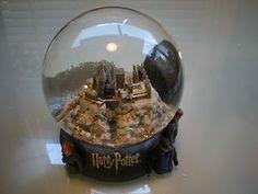 "You have no idea how badly I want this! ""Harry Potter"" - Hogwarts snow globe"