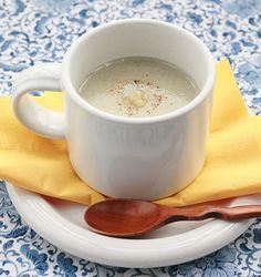 女性の強い味方の食材、ごぼうでポタージュスープを作ります。体を温め、免疫力をアップさせると考えられている生姜を合わせることで、体に更に嬉しい効果が期待できるマクロビレシピです。