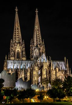 Kölner Dom/Cologne Cathedral, Germany - No explanation is needed for why this is one of my favourite places ever.