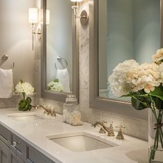 42 Chic Design Ideas to Rejuvenate Your Master Bathroom: www.homeawakening… Are you looking for small bathroom decorating ideas? Bathroom Renos, Bathroom Renovations, Bathroom Interior, Modern Bathroom, Small Bathroom, Bathroom Ideas, Bathroom Organization, Bathroom Faucets, Decorating A Bathroom