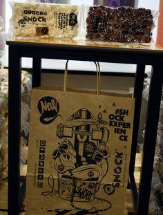 Una colección atrevida, espontánea, rebelde. Una creación que ve la luz desde el trabajo, la artesanía y el futuro...   Valenciana Shock también es turrón www.valencianashock.com www.estoyenshock.com