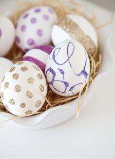 DIY Glitter Eggs - so pretty!!