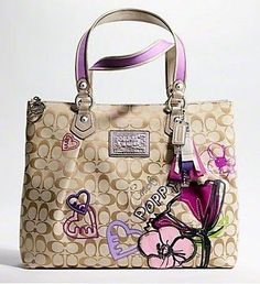 Amazing with this coach bag! Value Spree: 3 Items Total (get it for 2016 coach fashion Handbags for you! Cheap Handbags, Coach Handbags, Purses And Handbags, Trendy Handbags, Discount Handbags, Wholesale Handbags, Handbags Online, Coach Fashion, Coach Purses Cheap