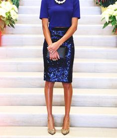 pencil skirt and tshirt outfit Sequin Skirt Outfit, Blue Skirt Outfits, Sequin Pencil Skirt, Pencil Skirt Casual, Pencil Skirt Outfits, Dress Skirt, Lace Skirt, Mini Skirt, Pencil Skirts