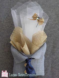 Μπουμπουνιέρα βάφτισης με πουκαμισάκι από λινάτσα και σατέν γραβάτα Χειροτεχνημα - Handmade