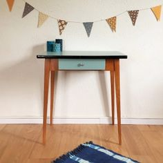 Victorine, la table bureau des années 50