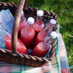 Watermelon and strawberry crush recipe. This refreshing watermelon and strawberry drink is the perfect accompaniment to eating al fresco. Yogurt Smoothies, Raspberry Smoothie, Raspberry Lemonade, Strawberry Crush, Strawberry Drinks, Watermelon Crush, Strawberry Recipes, Drinks Alcohol Recipes, Non Alcoholic Drinks