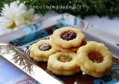 FURSECURI CU GEM Romanian Desserts, Romanian Food, Romanian Recipes, Sweet Pastries, Xmas Cookies, Christmas Sweets, Fun Desserts, Biscotti, My Recipes