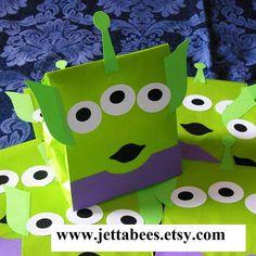Hecho por encargo - Set de regalo hecho a mano diseño alienígena 10 tratar sacos para la fiesta de cumpleaños tema Space, Alien o Toy Story de su hijo!