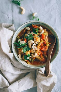 Make This Comforting Cashew Curry For a Cozy Winter Dinner...cook time 15 minutes!