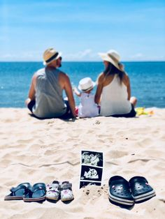 Pregnancy Announcement Photo :: Second Baby :: Beach