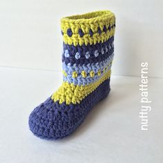 Crochet Pattern * Charlie Boots for Teens and Adults * Double sole * I bought this (after nutty patterns actually drew it up at my inquiry! one slipper boot for the whole family! Crochet Boots, Chunky Crochet, Knit Or Crochet, Hand Crochet, Irish Crochet, Pom Pom Baby, Super Bulky Yarn, Knitted Slippers, Slipper Boots