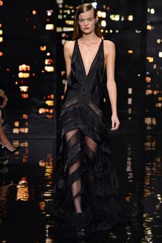 See the Donna Karan autumn/winter 2015 collection