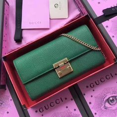 6c453d128e6 Gucci Padlock Continental Wallet With Chain 453506 Green Gucci Brieftasche