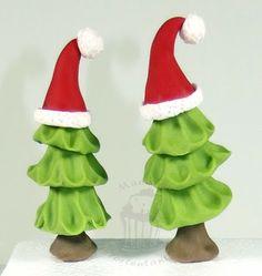 Tortentantes Tortenwelt - DER Tortenblog mit Anleitungen und Tipps für Motivtorten: Tannenbäumchen aus Fondant - weihnachtlich behütet