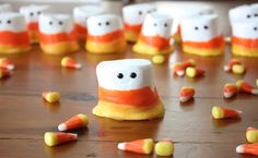 marshmallow #Halloween treat - this no-bake treat (above) combines the yummy gooeyness of marshmallows with white chocolate or candy melts. It's easy, it's fast, and it's a total crowd-pleaser.