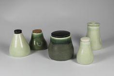 Ceramic jars Group of lidded jars, different glazes.  Keramik krukker med forskellige krukker.