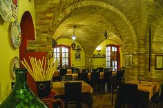 OFFIDA – Il sito specializzato Dissapore.com ha stilato una classifica dei ristoranti consigliatiper il periodo di festività pasquali, situati nei 20 borghi più belli d'Italia. Offida …
