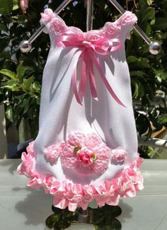Belle Diva Couture on PawVogue  http://pawvogue.com/social-gallery/london-les-petites-fleurs-808x1024-2