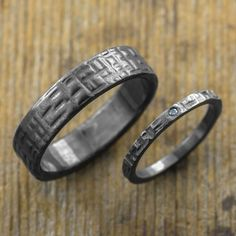 Hey, I found this really awesome Etsy listing at https://www.etsy.com/listing/128929312/eco-friendly-wedding-band-set-textured