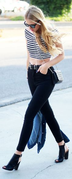 Striped Cropped Top                                                       …