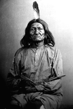 Studio portrait of Long Soldier, Gros Ventre Native American, holding peace pipe. Native American Photos, Native American Tribes, Native American History, American Symbols, Navajo, Native Indian, Native Art, Before Us, First Nations