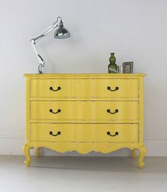 Ideas For Annie Sloan Painted Furniture Chest Of Drawers Yellow Painted Furniture, Annie Sloan Painted Furniture, Annie Sloan Paints, Distressed Furniture, Paint Furniture, Repurposed Furniture, Furniture Projects, Furniture Makeover, Vintage Furniture