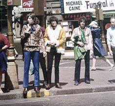 Pink Floyd - Piccadilly Circus, 1967