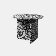 Chap is a primary object that finds expression through shape and colour. Organic and primitive in taste, this essential element sports the striking decorative texture of Palladio Moro marble or the transparency of glass. Black Side Table, White Side Tables, Grey Glass, Amber Glass, Unique Furniture, Table Furniture, Black Tray, Copper Tray, Marble Columns