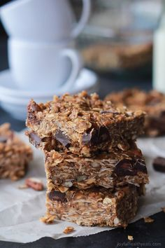 18. No-Bake Peanut Butter Chocolate Bars #healthy #recipes #college http://greatist.com/eat/healthy-dorm-room-recipes