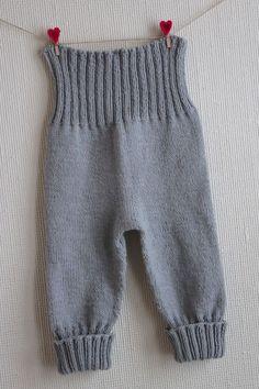 Pattern from Babystrik på pinde 3 of Lene Holme Samsøe Knit Baby Pants, Baby Pants Pattern, Knitted Baby Clothes, Baby Leggings, Knitting For Kids, Baby Knitting Patterns, Baby Patterns, Baby Outfits, Kids Outfits