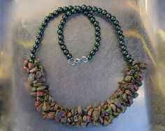 SALE from to 20 USD-Unakite chips (semi-precious stone) and metalic green pearls necklace Pearl Necklace, Beaded Necklace, Chips, Pearls, Stone, Trending Outfits, Metal, Unique Jewelry, Handmade Gifts