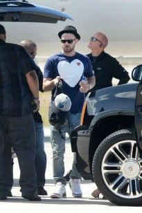Justin Timberlake arriving in Miami on a private jet today for the Legends of the Summer tour with Jay Z. Miami is their last stop of the tour before JT goes out alone for his world tour >>> Celebrity Gossip, Celebrity Style, Robin Thicke, Scott Disick, Private Jet, Justin Timberlake, Jay Z, Chris Brown, Heart Print