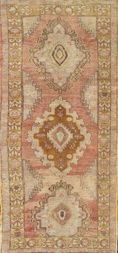 Circa : 	1930 Type : 	Oushak Origin : 	Turkey Design : 	Medallion Material : 	Wool Texture : 	Pile