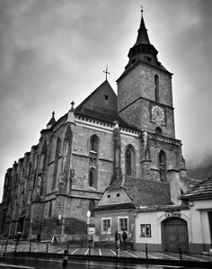 Biserica Neagra, Brașov, Romania — by Hecktic Travels. The Black Church is in the centre of Braşov. It received its name after being partially destroyed by a fire in Brasov Romania, Black Church, Central And Eastern Europe, And So The Adventure Begins, Europe Travel Tips, Where To Go, Travel Photography, Places To Visit, Around The Worlds