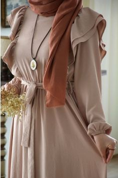 Modest Fashion Hijab, Modern Hijab Fashion, Modesty Fashion, Hijab Fashion Inspiration, Islamic Fashion, Abaya Fashion, African Fashion Dresses, Muslim Fashion, Fashion Outfits
