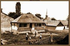 Casa din ignatei ,Orhei. Romania, House Styles, Home Decor, Houses, Decoration Home, Room Decor, Home Interior Design, Home Decoration, Interior Design