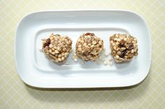 Happy day before hump day! Before I share my big news, I wanted to start off with a delicious recipe. I made some awesomely addicting protein balls for a pre-triathlon snack. These guys feature my ...