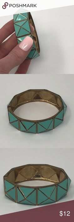 🎉 EUC Geometric Bangle Bracelet 💕 Excellent used condition  This item is eligible for my 3 for $20 jewelry promotion! 👍 Francesca's Collections Jewelry Bracelets