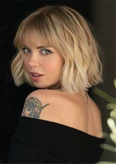 Great Totally Free Best Short Bob Haircuts with Bangs for Girls in Year 2019 Id. bob haircuts with Bobbed Hairstyles With Fringe, Fringe Haircut, Bob Haircut With Bangs, Short Hair With Bangs, Short Bob Haircuts, Short Hair Cuts, Short Hair Styles, Blonde Bob With Bangs, Choppy Bob With Fringe
