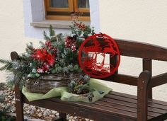 Google Image Result for http://img.ehowcdn.com/article-new/ehow/images/a05/9f/qu/make-outdoor-xmas-decorations-800x800.jpg