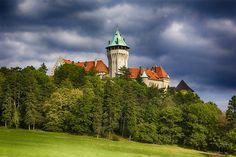 Smolenický zámok. ideálne miesto pre výlet, v okolí je napríklad aj slovanské hradisko Molpír a prírodný náučných chodník Majdan. Viac o Smolenickom zámku vo výlete: http://www.podmevon.sk/vylet/smolenicky-zamok